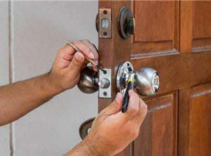 Lock-replacement.-lock-change-Windsor